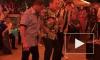 Видео: Арнольд Шварцнеггер зажигает под гавайские мотивы