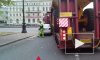 Видео: Грузовик придавил легковушку на пересечении Крюкова канала и Мойки