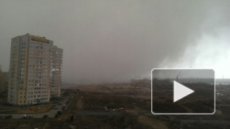 Ураган в Омске унес жизнь молодой девушки и сдвинул с места памятник в виде шара