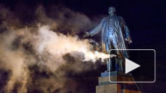 Новости Украины: власти восстанавливают памятник Ленину в Харькове