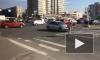 Видео: на проспекте Славы второй день не работает светофор