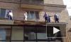 Видео: защитники Pussy Riot забрались на крышу у Хамовнического суда