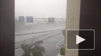 Жуткий тайфун выгнал из дома полмиллиона японцев