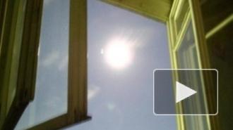 СК: Петербурженка вылетела в окно с шестилетним сыном и разбилась насмерть