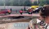 Видео: рабочие заделывают дырку на улице Восстания