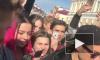Джаред Лето спел с фанатами в центре Петербурга и раздал билеты на концерт