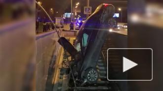 На юге Москвы водитель въехал в подземный переход