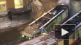 Очевидцы: на Гаванской улице встали трамваи в обе ...