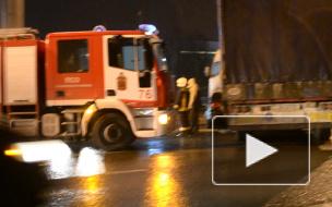 После ДТП на Лахтинском проспекте водитель легковушки чудом остался жив