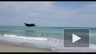 Во Флориде самолет Второй мировой войны экстренно приземлился на воду