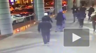 """Полиция задержала четверых мужчин за драку со стрельбой у ТЦ """"Пик"""""""