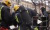 В Кировском районе из-за горящего ядовитого масла сотня пожарных два часа не могла потушить ангар и три грузовика