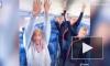 Мужчина оказался единственным пассажиром самолета и заставил стюардесс танцевать