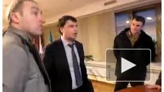 """Новости Украины сегодня: общество расколото. Журналисты требуют запрета партии """"Свобода"""""""