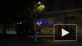 Ночью в Петербурге тушили пожар по повышенному номеру сложности