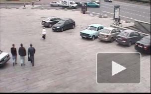 ВАЗ и Форд столкнулись на площади Победы