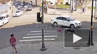 Пенсионерку сбила иномарка на пешеходном переходе в центре Петербурга