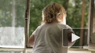 В Петербурге двухлетний мальчик умер, выпав из окна пятого этажа
