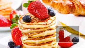 Рецепты блинов на Масленицу: мужчины обожают блины на молоке с дырочками и на кефире, а женщины - на воде, без яиц