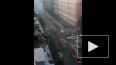 Пожар на Кавалергардской 20: жильцам помогают спуститься ...