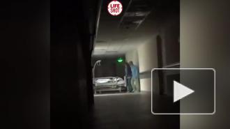 Депздрав Москвы проверит видео, на котором медсестры издеваются над пожилой пациенткой