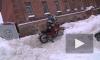 Заезд на снегу.  Зимний мотокросс для детей