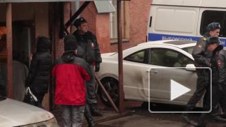 В заброшенном ангаре нашли угнанные авто с перебитыми номерами