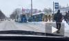 """Возле метро """"Академическая"""" машина влетела в остановку с людьми"""