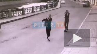 Петербуржца избили на набережной Мойки и отняли у него iPhone 8