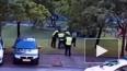 Полицейские жестоко избили нарушителя ПДД после погони. ...