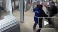 В Московском метро длинноволосый мужчина набросился ...