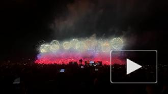 В Москве в День Победы свыше 12 тысяч залпов салюта запустили в небо