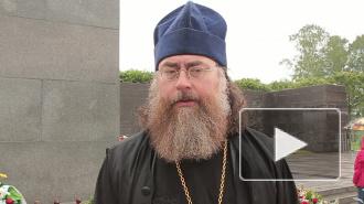 «Свечу памяти» зажгли на Пискаревском кладбище байкеры и представители конфессий