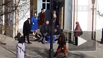 В Андреевском соборе петербуржец разбил витрины и сорвал с батюшки маску