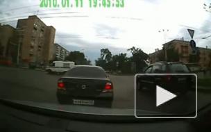 В Петербурге две машины сбили пенсионера и скрылись